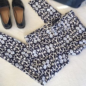 GAP Pants Ikat Print Navy and White with Stretch
